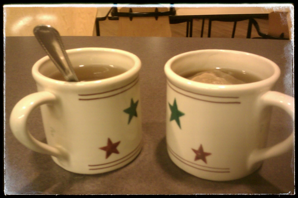 Mugs of tea, Moscow ID, November 2011